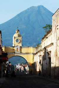 Antigua-Guatemala-with-Volcan-de-Agua-volcano-in-the-background